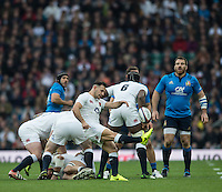 Twickenham, United Kingdom.   Danny CARE, kicking, a high ball, during the Six nations Rugby International, England vs Italy at the   RFU Stadium, Twickenham, England, <br /> <br /> Sunday  26/02/2017<br /> <br /> [Mandatory Credit; Peter Spurrier/Intersport-images]