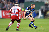 Rhys Priestland of Bath Rugby looks to pass the ball. Aviva Premiership match, between Bath Rugby and Gloucester Rugby on October 29, 2017 at the Recreation Ground in Bath, England. Photo by: Patrick Khachfe / Onside Images