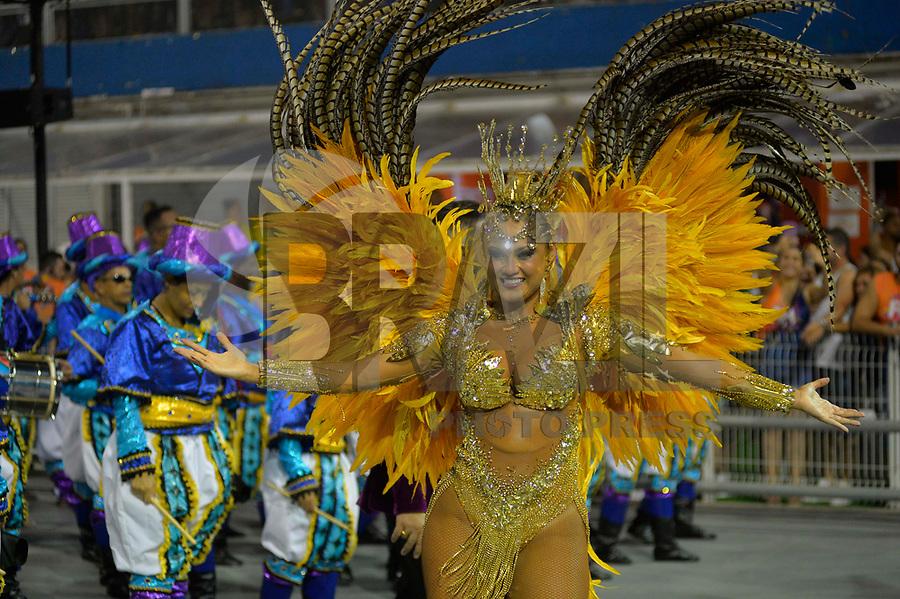 SÃO PAULO, SP, 09.03.2019 - CARNAVAL-SP - Ellen Roche da escola de samba Rosas de Ouro durante Desfile das Campeãs do Carnaval de São Paulo, no Sambódromo do Anhembi em São Paulo, na madrugada deste sabado, 09. (Foto: Levi Bianco/Brazil Photo Press)