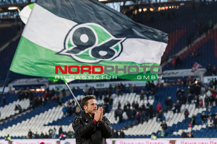 09.02.2019, HDI Arena, Hannover, GER, 1.FBL, Hannover 96 vs 1. FC Nuernberg<br /> <br /> DFL REGULATIONS PROHIBIT ANY USE OF PHOTOGRAPHS AS IMAGE SEQUENCES AND/OR QUASI-VIDEO.<br /> <br /> im Bild / picture shows<br /> Matchwinner Nicolai Müller / Mueller (Neuzugang Hannover 96 #21) bejubelt Sieg auf Spielfeld nach Spielende unter Hannover 96 Fahne, <br /> <br /> Foto © nordphoto / Ewert
