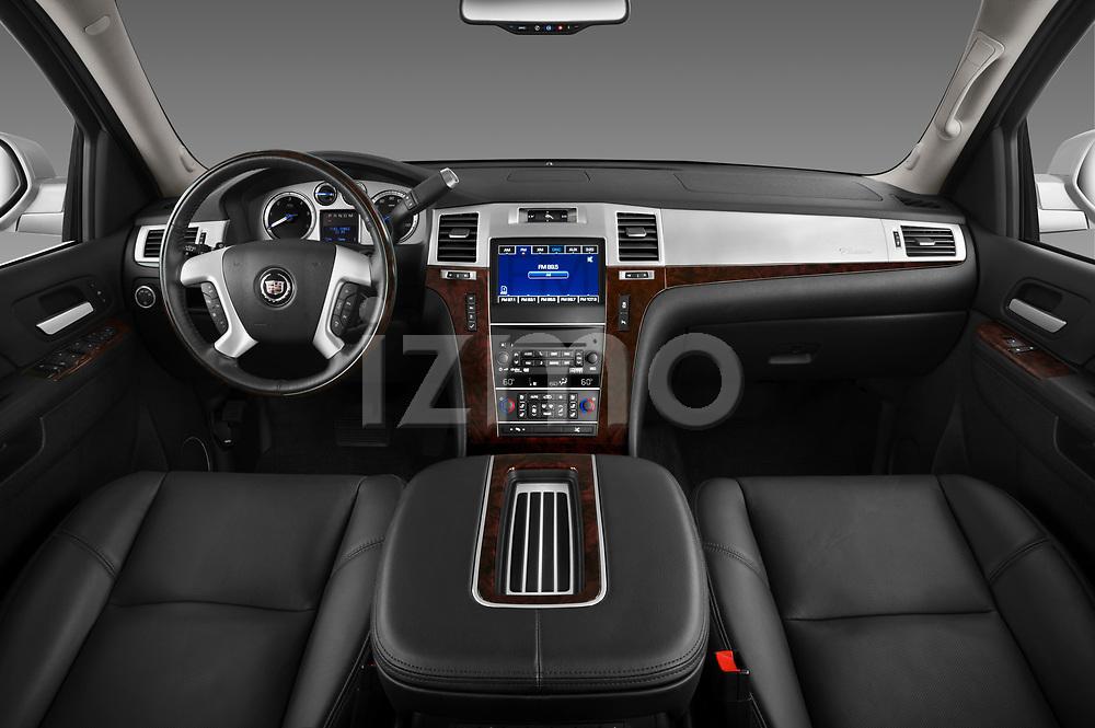 Cadillac SUV 2007 - 2014 Escalade ESV Premium Straight dashboard view