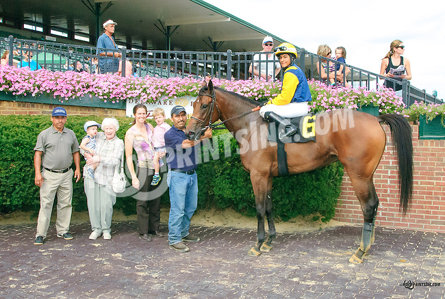 Settle n' Speight winning at Delaware Park on 9/5/15