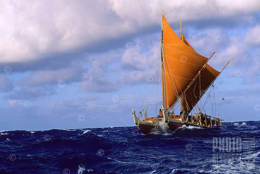 Polynesian voyaging canoe Hokule'a, Kaiwi Channel.