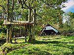 Blechnarka, 30-09-2019 założona w XVI wieku wieś w Polsce położona w województwie małopolskim, w powiecie gorlickim, w gminie Uście Gorlickie. Leży na Ropą dopływem Wisłoki. To mała wieś koło Wysowej w Beskidzie Niskim. Liczy obecnie około 50 mieszkańców, a większość to Łemkowie. Przed wojną była to duża wieś, licząca prawie 100 zagród. Nazwa wsi pochodzi od słowa blechnar, oznaczającego prawdopodobnie rzemieślnika bielącego surowe płótno. Ostatni zamieszkały na stałe dom we wsi Blechnarka.