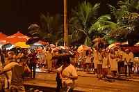 RIO DE JANEIRO, 01 DE JANEIRO DE 2012 - REVEILLON BARRA DA TIJUCA<br /> Movimenta&ccedil;&atilde;o na Barra da Tijuca durante o Reveillon . (FOTO: ALEXANDRE MOREIRA / NEWS FREE)