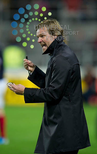 Falkirk manager Steven Pressley shouts instructions to his team during the Ramsdens Challenge Cup match between Falkirk and Rangers at The Falkirk Stadium, Falkirk. 21 August 2012. Picture by Ian Sneddon / Universal News and Sport (Scotland). All pictures must be credited to www.universalnewsandsport.com. (Office) 0844 884 51 22.