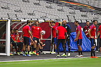 Glendale, AZ - Friday June 24, 2016: Kyle Beckerman, Gyasi Zardes, Tim Howard of the United States during a training prior to the third place match of the Copa America Centenario at the University of Phoenix Stadium.<br /> Action photo during of the United States team training before the game against the selection of Colombia for third place in the America Cup Centenary 2016 at University of Phoenix Stadium<br /> <br /> Foto de accion durante el Entrenamiento de la Seleccion de Estados Unidos previo al partido contra la Seleccion de Colombia por el tercer lugar de la Copa America Centenario 2016, en el Estadio de la Universidad de Phoenix, en la foto: (i-d) Kyle Beckeman, Gyasi Zardes y Tim Howard<br /> <br /> 24/06/2016/MEXSPORT/Victor Posadas.