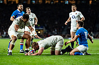 George Kruis of England scores his try during the Guinness Six Nations match between England and Italy at Twickenham Stadium on March 9th, 2019 in London, United Kingdom. Photo by Liam McAvoy.