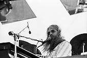 LEON RUSSELL, LIVE, 1973, NEIL ZLOZOWER