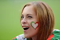 FUSSBALL  EUROPAMEISTERSCHAFT 2012   VORRUNDE Spanien - Italien            10.06.2012 Weiblicher italienischer Fan