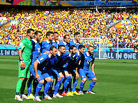 BELO HORIZONTE - BRASIL -14-06-2014. Jugadores de Grecia (GRC) posan para una foto de grupo previo al partido del Grupo C contra Colombia (COL) por la Copa Mundial de la FIFA Brasil 2014 jugado en el estadio Mineirao de Belo Horizonte./ Players of Grece (GRC) pose to a photo group prior the Group C match against Colombia (COL) for the 2014 FIFA World Cup Brazil played at Mineirao stadium in Belo Horizonte. Photo: VizzorImage / Alfredo Gutiérrez / Contribuidor