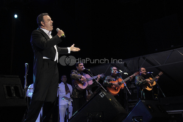 "Fernando de la Mora performs during the ""Mexicanos Cantan"" concert at Alonzo Vidal Plaza during Pitic 2012 in Hermosillo. Sonora Mexico. May 28, 2012.  Credit: Baldemar de los Llanos/NortePhoto/MediaPunch Inc. ***NO MEXICO*** ***NO SPAIN***"