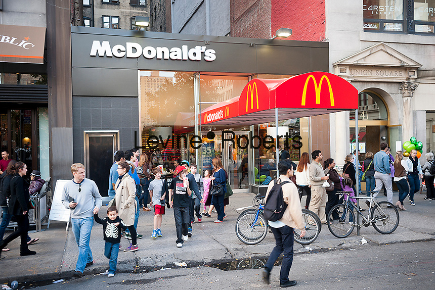 A McDonald's restaurant in Union Square in New York on Sunday, October 21, 2012. McDonald's recently announced that its third quarter profits were below analysts' predictions citing a strong US dollar.. (© Richard B. Levine)