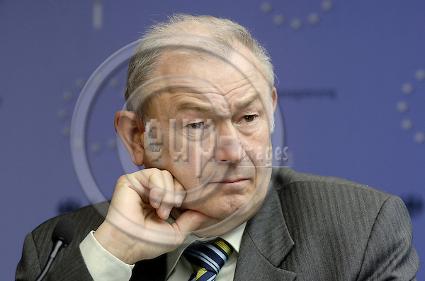 Brussels-Belgium - 05 December 2006---European Ministers in charge of the Interior meet in the margins of the EU-Council on Justice and Home Affairs, second day; here, Günther (Guenther, Gunther) BECKSTEIN, Bavarian Minister for the Interior (Bayern), during his press conference---Photo: Horst Wagner/eup-images