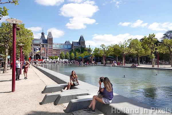 Nederland - Amsterdam - 2018.Vijver op het  Museumpleim.  Foto Berlinda van Dam / Hollandse Hoogte.