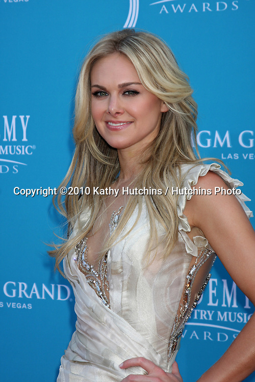 Larua Bell Bundy.arrives at the Academy of Country Music Awards 2010.MGM Garden Arena.Las Vegas, NV.April 18, 2010.©2010 Kathy Hutchins / Hutchins Photo....