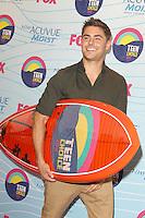 UNIVERSAL CITY, CA - JULY 22: Zac Efron in the press room at the 2012 Teen Choice Awards at Gibson Amphitheatre on July 22, 2012 in Universal City, California. © mpi28/MediaPunch Inc. /NortePhoto.com*<br />  **CREDITO*OBLIGATORIO** *No*Venta*A*Terceros*<br /> *No*Sale*So*third* ***No*Se*Permite*Hacer Archivo***No*Sale*So*third*©Imagenes*
