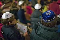 Francia, Parigi, festeggiamenti della comunità ebraica par Hanouka 2013 sinagoga di Parigi Beaugrenelle MJLF (Movimento ebraico liberale francese),