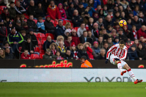 March 4th 2017,  bet365 Stadium, Stoke, England; EPL Premier League football, Stoke City versus Middlesbrough; Stoke's Ibrahim Afellay crosses the ball