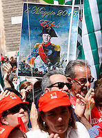 "Manifestazione sindacale in occasione dello sciopero contro la riforma della ""Buona Scuola"" a Roma, 5 maggio 2015.<br /> Protesters show a sign with a picture of Italian Premier Matteo Renzi depicted as Napoleon during a demonstration on the occasion of the strike summoned by unions against the government's school reform, in Rome, 5 May 2015.<br /> UPDATE IMAGES PRESS/Riccardo De Luca"