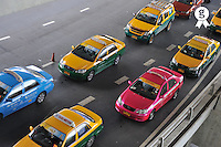Taxis waiting in line (Licence this image exclusively with Getty: http://www.gettyimages.com/detail/83154158 )