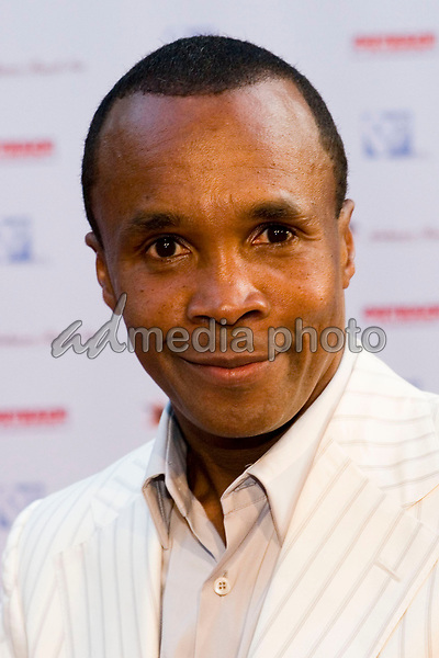 "9 July 2005 - Pacific Palisades, California - Sugar Ray Leonard.  Hollyrod's Designcure Celebrates It's 'Lucky Seven' with Performances by Kenneth ""Babyface""  Edmonds & Brian Culbertson and Featuring Fashion Show with Designer Pamela Dennis held at the home of Sugar Ray Leonard.  Photo Credit: Zach Lipp/AdMedia"