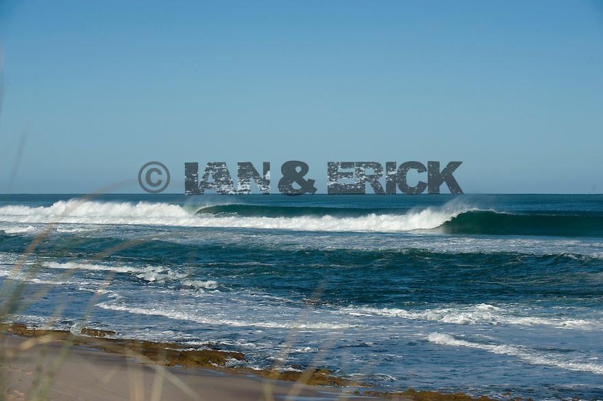 Empty wave at Dang Dang in Kalbarri, Western Australia.