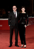 L'attore italiano Valerio Mastandrea posa con la moglie l'attrice Valentina Avenia sul red carpet per la presentazione del film &quot;The Place &quot; durante la Festa del Cinema di Roma, 2 novembre 2017.<br /> Italian actor Valerio Mastandrea poses with his wife Valentina Avenia on the red carpet to present the movie &quot;The place&quot; during the international Rome Film Festival at Rome's Auditorium, November 2, 2017.<br /> UPDATE IMAGES PRESS/Isabella Bonotto