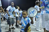 SÃO PAULO, SP, 28 DE JANEIRO DE 2012 - ENSAIO TÉCNICO NENÊ DA VILA MATILDE - Ensaio técnico da Escola de Samba Nenê da Vila Matilde na praparação para o Carnaval 2012. O ensaio foi realizado na noite deste sabado no Sambódromo do Anhembi, zona norte da cidade. FOTO: LEVI BIANCO - NEWS FREE