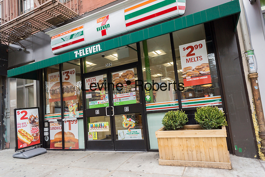 A 7-Eleven convenience store in New York on Thursday, April 7, 2016. The Internal Revenue Service announced that participating 7-Eleven convenience stores will be able to accept tax payments.   (© Richard B. Levine)
