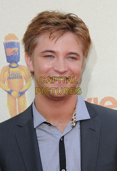 MICHAEL WELCH.The 2009 MTV Movie Awards held at Universal Ampitheatre  in Universal City, California, USA..May 31st, 2009  .headshot portrait blue grey gray                                                                  .CAP/DVS.©Debbie VanStory/Capital Pictures.