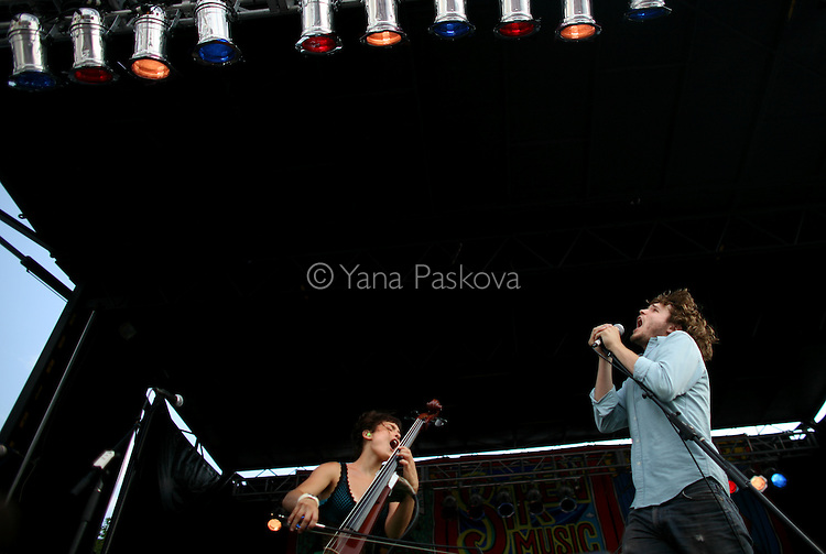 The band Ra Ra Riot performs at the Siren Music Festival in the Coney Island theme park in Brooklyn, New York, on Saturday, July 19, 2008. (Photo by: Yana Paskova for The New York Times)..Assignment ID: 30065211A