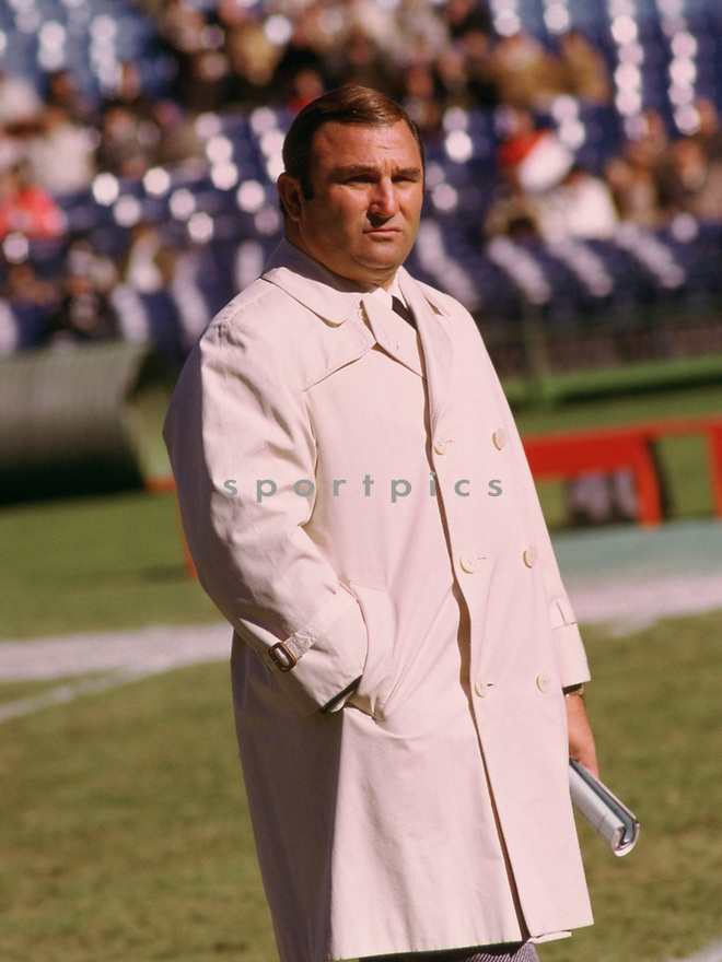 Kansas City Chiefs Hank Stram head coach during a game from his 1972 season coaching with the Chiefs. Hank Stram coached for 17 years with 2 different teams, won a Super Bowl IV with the Chiefs and was inducted to Pro Football Hall of Fame in 2003.(SportPics)