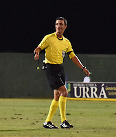 MONTERÍA - COLOMBIA ,30-01-2019:Oscar Gómez Flórez referee central para el partido entre de Jaguares de Córdoba y el Deportivo Cali durante partido por la fecha 2 de la Liga Águila I 2019 jugado en el estadio Municipal Jaraguay de Montería . / Central Referee Oscar Gomez Florez  during macht between  Deportivo Cali  and Jaguares of Cordoba  match for the date 2 of the Liga Aguila I 2019 played at Municipal Jaraguay Satdium in Monteria City . Photo: VizzorImage / Andrés Felipe López  / Contribuidor.