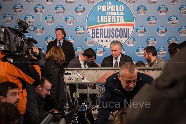 17:45 - Barriers were put in place to contain the journalists.<br /> <br /> Rome, 25/02/2013. Reportage covering the second day of the Italian General Election, including the campaign HQ's of the Rivoluzione Civile - Antonio Ingroia, the PDL (Popolo della Libert&aacute;) - Silvio Berlusconi, and the Scelta Civile - Mario Monti.