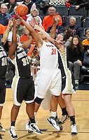 Virginia Cavaliers forward Jazmin Pitts (21)