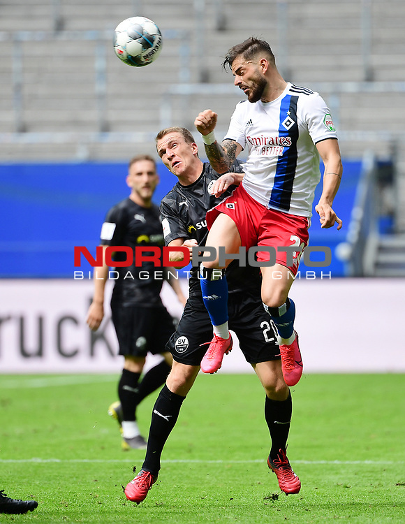 v.l. Emanuel Taffertshofer, Tim Leibold (HSV)<br /> Hamburg, 28.06.2020, Fussball 2. Bundesliga, Hamburger SV - SV Sandhausen<br /> Foto: VWitters/Witters/Pool//via nordphoto<br />  DFL REGULATIONS PROHIBIT ANY USE OF PHOTOGRAPHS AS IMAGE SEQUENCES AND OR QUASI VIDEO<br /> EDITORIAL USE ONLY<br /> NATIONAL AND INTERNATIONAL NEWS AGENCIES OUT