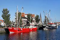 Vissersboten in de haven van Harlingen. Zuiderhaven
