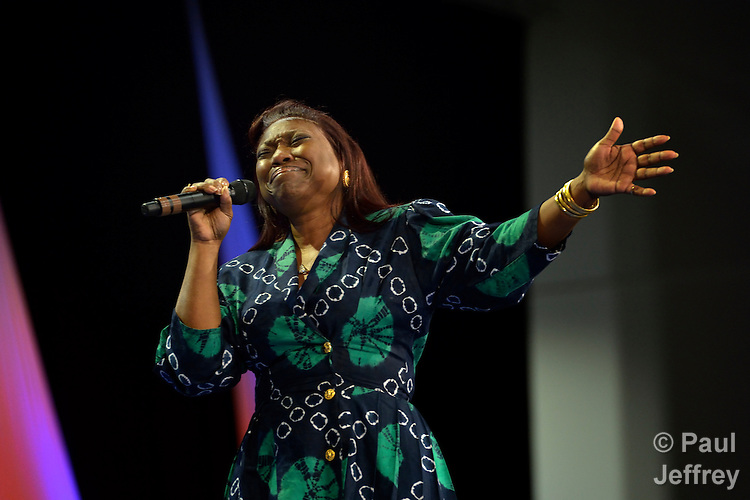 The Rev. Cynthia Wilson sings during a May 1 session of the United Methodist General Conference in Tampa, Florida. A UMNS photo by Paul Jeffrey.