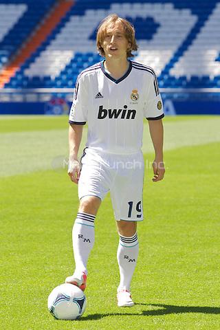 Luka Modric presentation as new Real Madrid player at Santiago Bernabeu Stadium on august 27th 2012...Photo: ALFAQUI /NortePhoto / mediapunchinc