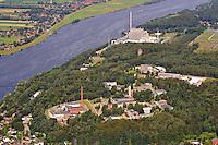 Helmholtz Zentrum und Kernkraftwerk AKW Kruemmel: EUROPA, DEUTSCHLAND, SCHLESWIG-HOLSTEIN, (EUROPE, GERMANY), 09.07.2011: Helmholtz-Zentrum Geesthacht, Zentrum fuer Material- und Kuestenforschung GmbH ist Mitglied der Helmholtz-Gemeinschaft Deutscher Forschungszentren.  Blick auf das Helmholtz-Zentrum Geesthacht und das Kernkraftwerk Kruemmel / Geesthacht in Schleswig-Holstein. Nuclear power station Kruemmel / Geesthacht. - Aufwind-Luftbilder- Stichworte: Europa, Deutschland, Schleswig, Holstein, Geesthacht, Kruemmel,  Brennelementelagerung, Neubau, Atom, Atomstrom, Atomkraftwerk, Energie, Industrie, Kernenergie, Kernkraft, Kruemmel, AKW, GKSS, Forschung, Forschungsreaktor, FRG,1, Neutronenquellen, Neutronen, Auskuenfte, Strukturen, Werkstoffe, Bauteile, Zentralabteilung, Wissenschaftliche, Einrichtung, Schwermetallbelastung, Strahlrohrreaktor, Elbmarsch, Verstahlung, Unfall, Stoehrfall, sicher, Sicherheit, Unsicherheit, unsicher, Rueckbau, Kernkraftwerk, Kernkraftwerke, Atomkraftwerk, Atomkraftwerke, AKW, AKWs, Kraftwerk, Kraftwerke, Atomreaktor, Reaktor, Nuklearenergie, Kernkraft, Atomenergie, Atomkraft, Atommeiler, Elektrizitaet, Atomgegner, Atomausstieg, erneuerbare, Atom, atomare, Bedrohung, alternative, Energien, Fukushima, Kernenergie, Nuklearkatastrophe, Abschaltung, nicht wieder anfahren, Abbau, Atomkraftgegner, Atomkatastrophe, Atompolitik, Antiatombewegung, Antiatom, Landschaft, Fluss, Fluesse, Wasser, Gewaesser, Elbe, Feld, Felder, Aerofoto, Luftfoto, Luftbild, Luftfotografie, Luftbildfotografie, Luftaufnahme, Flugaufnahme, Flugbild, Luftsicht, Draufsicht, Pannenreaktor, Panne, Pannen, Stoerung, Stoerungen, Stilllegung, stilllegen, abschalten, Meiler, Vattenfall, Ausstieg, Radioaktivitaet, radioaktive, Strahlung, Atomgesetznovelle, Atomgesetz, Novellierung,  Haeufung von Blutkrebs, Gefahr, Vattenfall, Strom, Versorgung, Abschaltung, Wiederanfahren,  Ueberblick, Aussicht, Ufer, Uebersicht, Helmholtz-Zentrum Geesthacht, Aufwind-Luftbilder