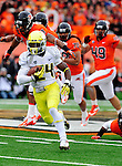CORVALLIS, OR - NOVEMBER 24: Running back Kenjon Barner #24 of the Oregon Ducks runs with the ball in the first quarter of the game Feti Taumoepeau on November 24, 2012 at Reser Stadium in Corvallis, Oregon. (Photo by Steve Dykes/Getty Images) *** Local Caption *** Kenjon Barner