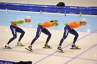 SCHAATSEN: HEERENVEEN: IJsstadion Thialf, 15-11-2012, World Cup Training, Seizoen 2012-2013, Maurice Vriend, Lotte van Beek, Renz Rotteveel, ©foto Martin de Jong