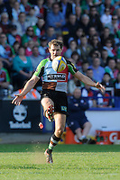 Nick Evans of Harlequins chips to the corner during the Aviva Premiership match between Harlequins and Bath Rugby at The Twickenham Stoop on Saturday 24th March 2012 (Photo by Rob Munro)