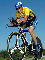 27.07.2002 US cyclist Lance Armstrong, pictured during the 19th stage of the Tour De France from Regnie-Durette to Macon, 27 July 2002. The leading cyclist won the 19th stage and prepared his 4th victory of the Tour De France in a row.