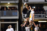 Taulupe Faletau of Bath Rugby wins the ball at a lineout. Heineken Champions Cup match, between Bath Rugby and Wasps on January 12, 2019 at the Recreation Ground in Bath, England. Photo by: Patrick Khachfe / Onside Images