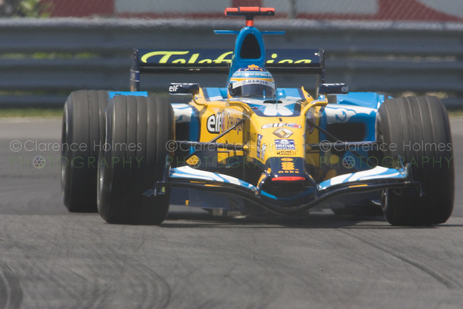 MONTREAL - JUNE 24: Fernando Alonso of Renault in the Senna complex of turns 1 and 2 during Saturday qualifying for the Canadian F1 Grand Prix at the Circuit Gilles-Villeneuve June 24, 2006 in Montreal, Canada.