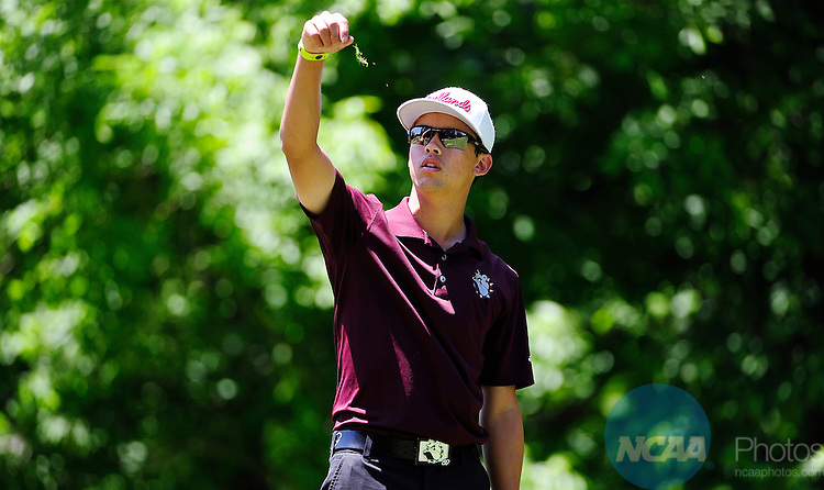 16 MAY 2014:  Nick Johnson of the University of Redlands checks the wind during the Division III Men's Golf Championship held at the Grandover Resort in Greensboro, NC.  Johnson shot a 81 for the final round.  Jeffrey Camarati/NCAA Photos
