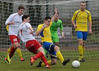 KFC Meulebeke - VV Tielt : duel om de bal tussen Dylan Vens (links) en Kenny Heytens (r)<br /> Foto David Catry   VDB   Bart Vandenbroucke