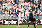 Nederland, Amsterdam, 21 juli 2012.Seizoen 2012/2013.Ajax-Celtic .Siem de Jong van Ajax scoort de 1-0. Rechts omhelst Vurnon Anita van Ajax hem.